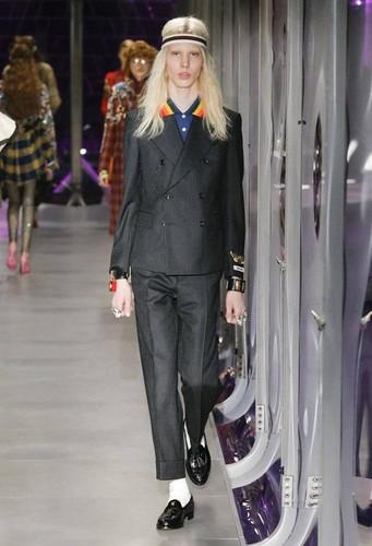 Gucci-desfile-FW17-33.jpg