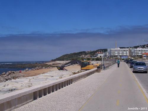 Restaurante na praia de Buarcos todo removido
