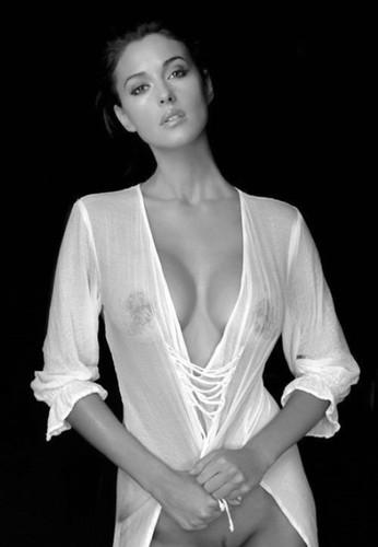 Monica_Bellucci4.jpg