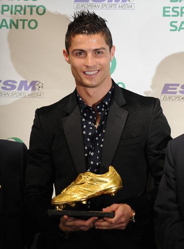 Ronaldo, bi-Bota de Ouro