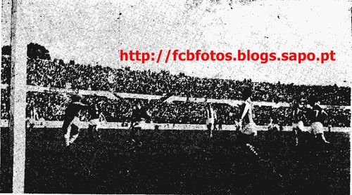 1956-57-10-3-1957-benfica-fcb-pinheiro g.JPG