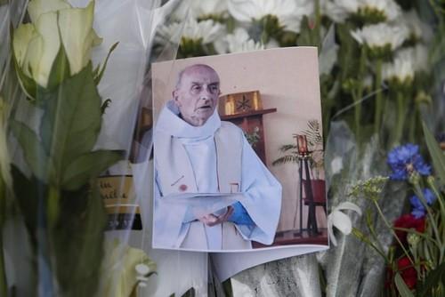Padre-Jacques-Hamel-2-700x467-1.jpg