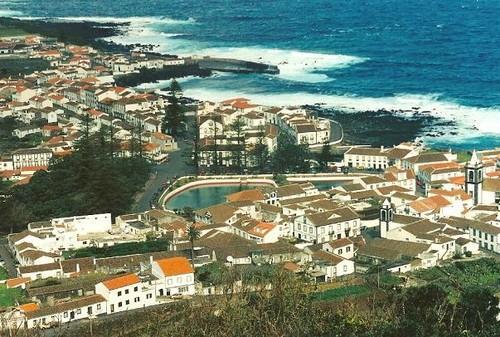 A pacata vila de Santa Cruz da Graciosa...