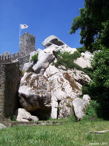 Sintra: Castelo dos Mouros - Pedras grandes