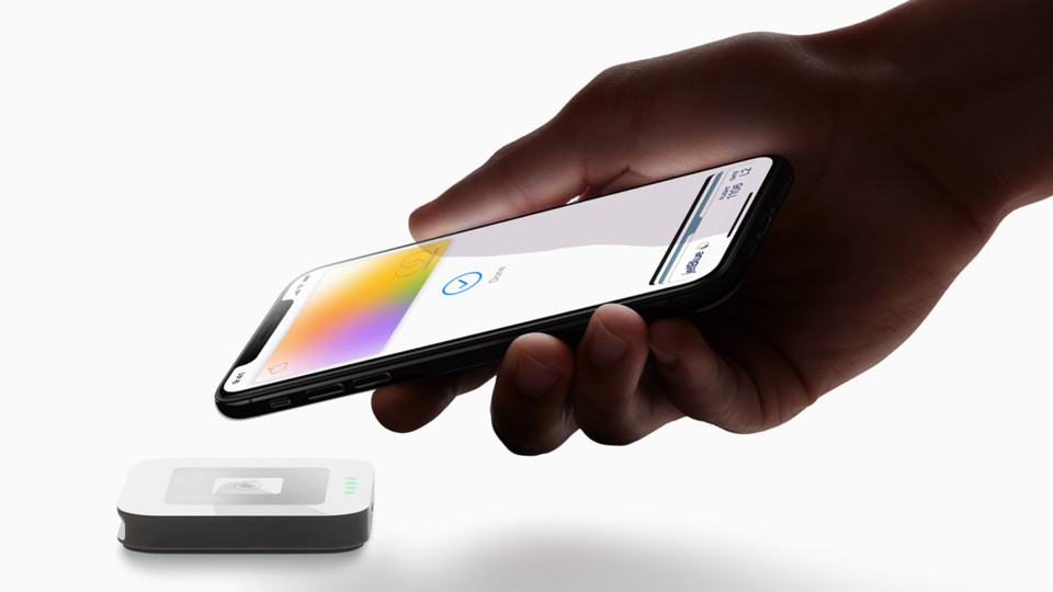 Apple Card iPhoneXS.jpg