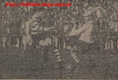 1955-56-sporting-fcb-golo de vasques.jpg