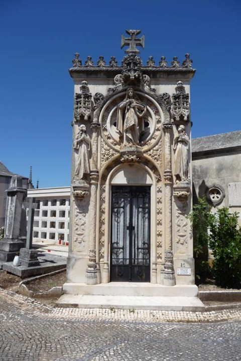 Cemitério da Conchada jazigo 1.JPG