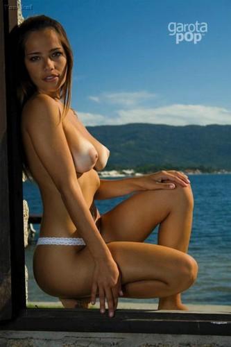 Amanda Alves 6.jpg
