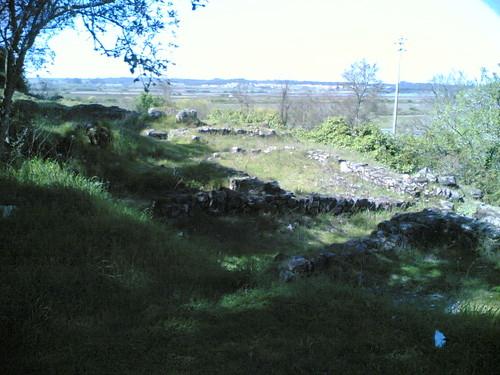 Vestígios de estação arqueológica em Santa Ola