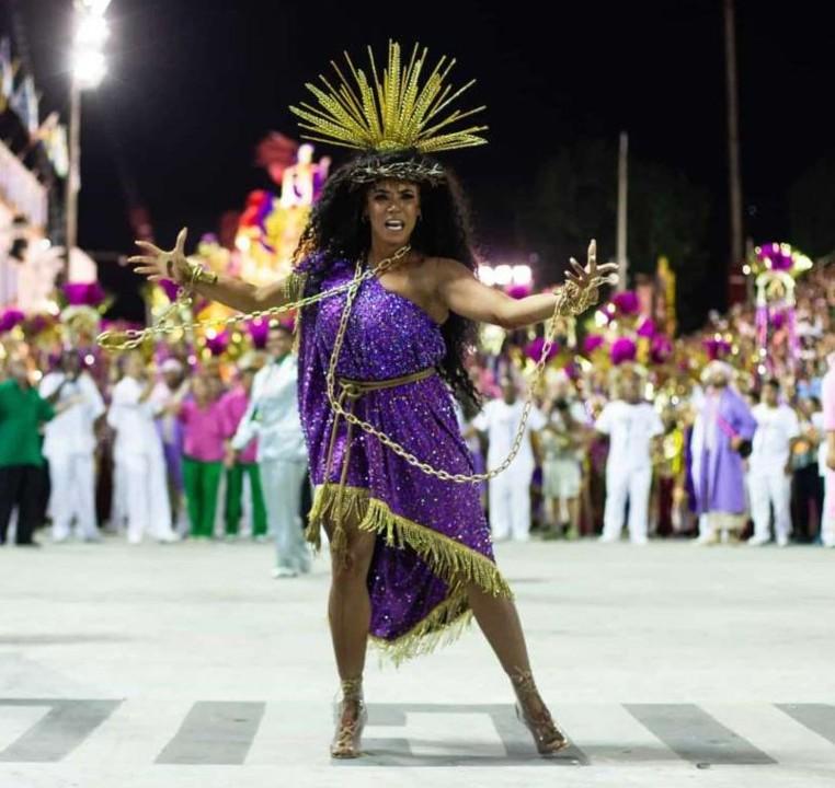 Evelyn Bastos (Carnaval Rio 2020).jpg