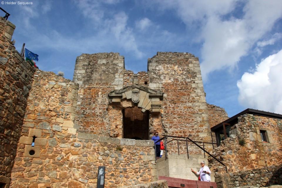 Palácio - Castelo Rodrigo - HS.jpg