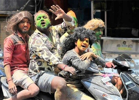 India_Holi_Festival_93909.jpg