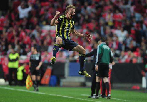 Dirk+Kuyt+SL+Benfica+v+Fenerbahce+SK+bsqji0TPNDOl.