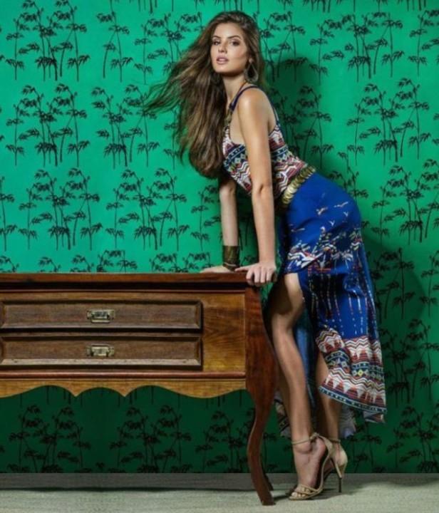 Camila Queiroz 49.jpg