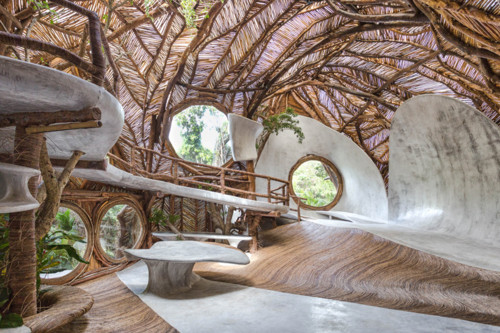 ik-lab-gallery-tulum-peggy-guggenheim-great-grands
