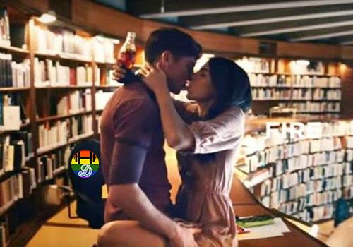 Coca-Cola-kissing-ad-YouTube-640x480.jpg