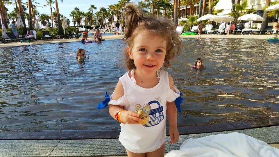 Margarida na praia.jpeg