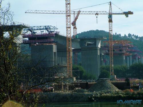 Construção da A17 sobre o rio Mondego em 2007 (2) [en] Construction of the highway A17 over the River Mondego in 2007