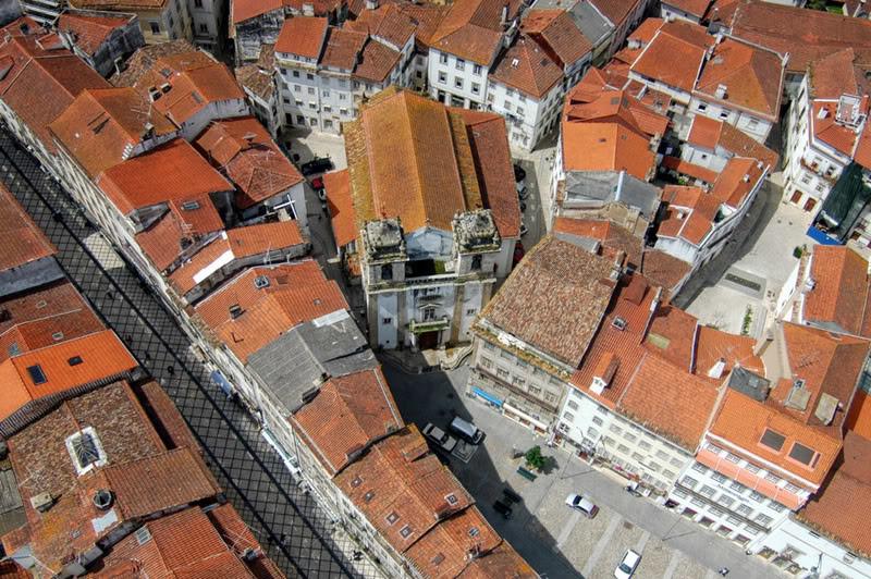 Igreja de S. Bartolomeu, vista aérea.jpg