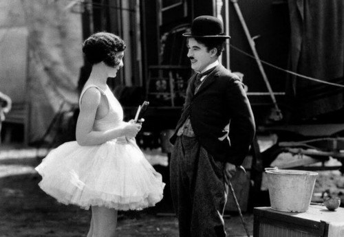 Charles-Chaplin-com-atriz.jpg