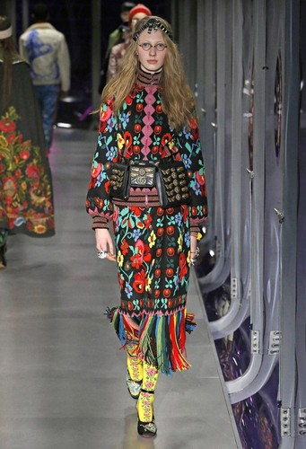 Gucci-desfile-FW17-12.jpg