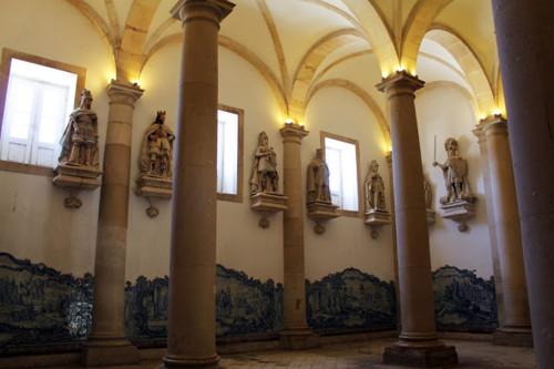 mosteiro_alcobaca_2[1].jpg