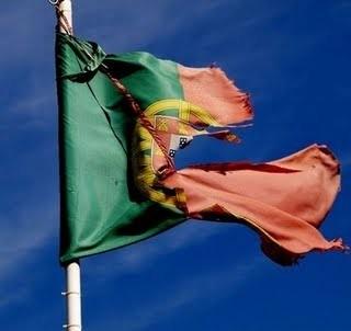 bandeira rasgada.jpg