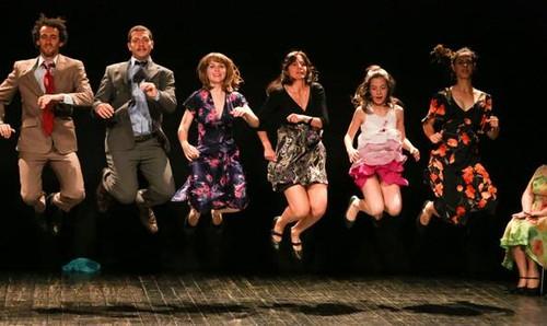 Um baile tradicional por gerações contemporâneas