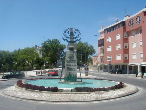0 800px-Monumento_ao_Bombeiro_-_Carlos_Botelho.jpg
