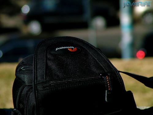 Bolsa preta Lowepro de máquina fotográfica [EN] Black Lowepro bag camera