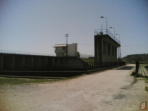 Dique e Estação Elevatória junto de Lares