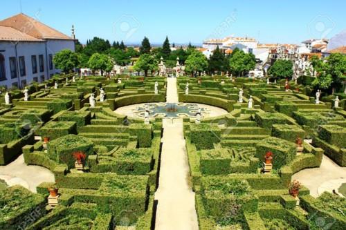 21017983-garden-castelo-branco-portugal[1].jpg