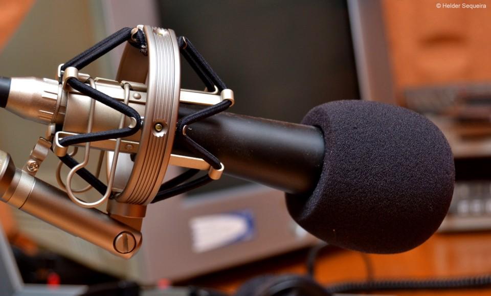 Microfone de Estúdio  - HS.jpg