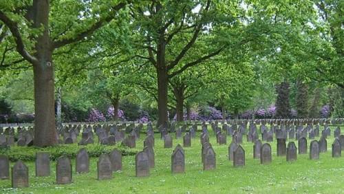 Cemiterio-de-Ohlsdorf-entre-os-maiores-cemiterios-