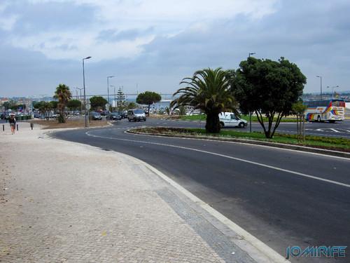 Obras públicas na Figueira da Foz - Zig Zag desnecessário e rotunda inclinada [en] Public works in Figueira da Foz Portugal