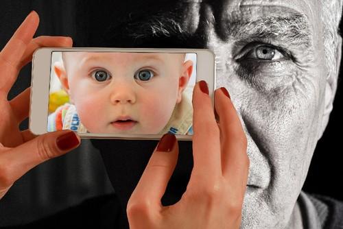 Smartphone-GerdAltmann.jpg