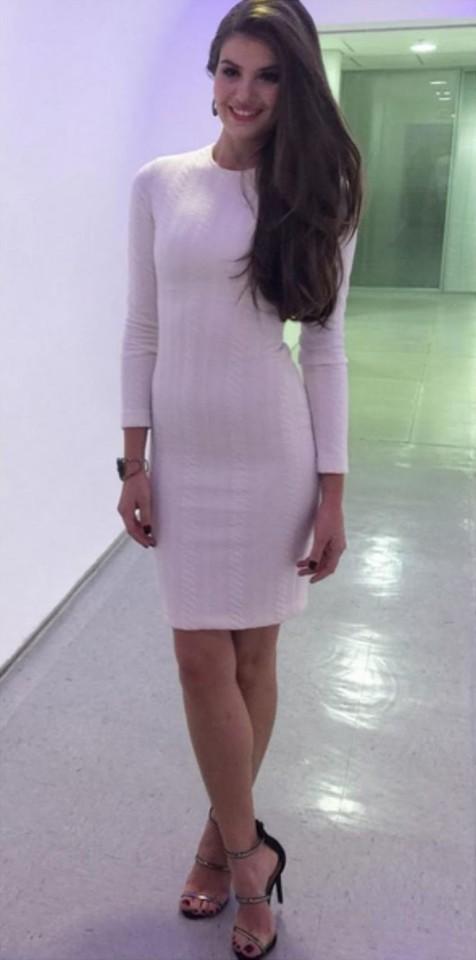 Camila Queiroz 24.jpg