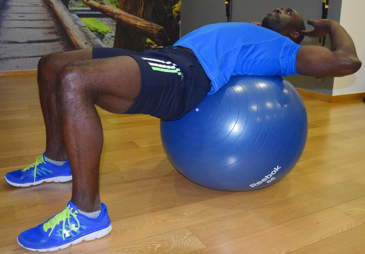 crunch em bola de Pilates.JPG