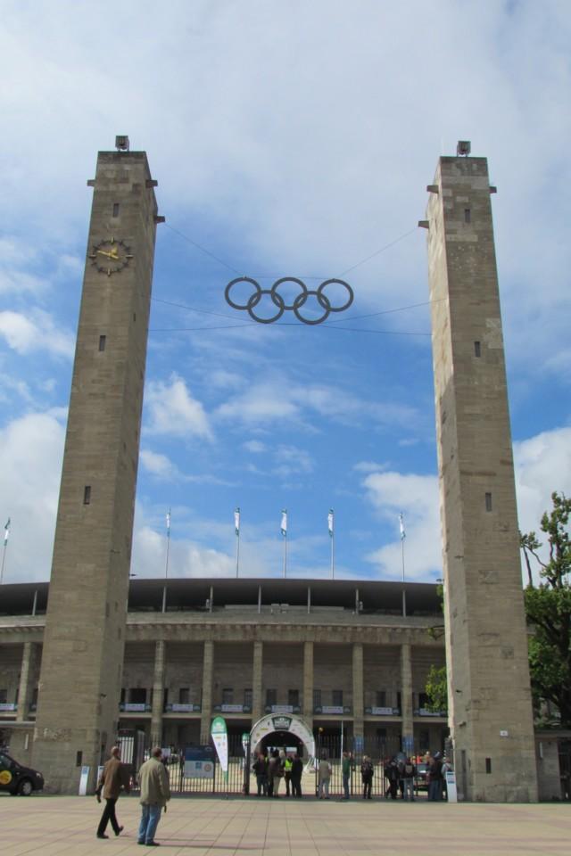 Berlin: a stadium that reflects so much history - atlas de bolso