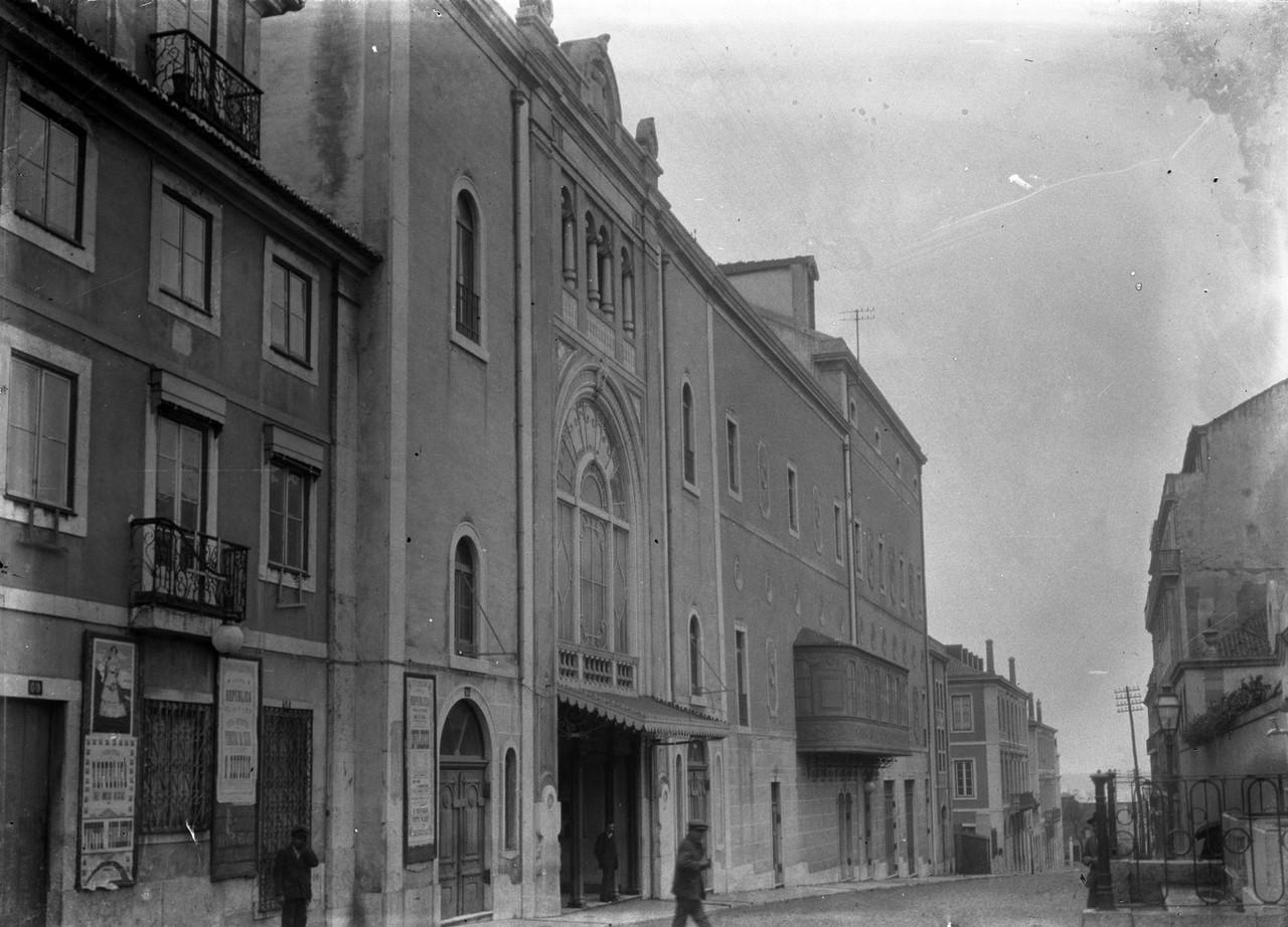 Teatro Municipal de São Luiz, antigo teatro Dona