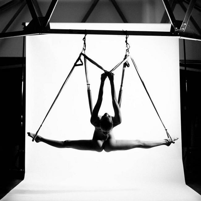Nude Yoga Girl 03.jpg