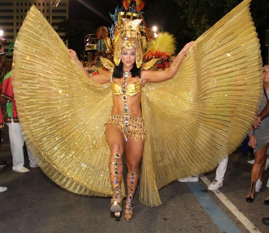 Paolla Oliveira 2(Carnaval Rio 2020).jpg