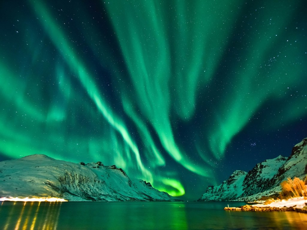 tromso-norway-northern-lights-GettyImages-61388740