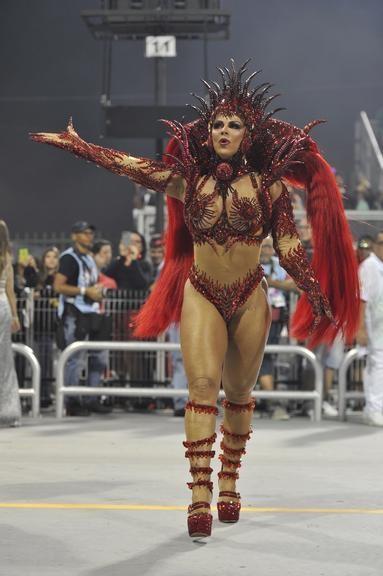 Viviane Araújo (Carnaval S.Paulo 2020).jpg