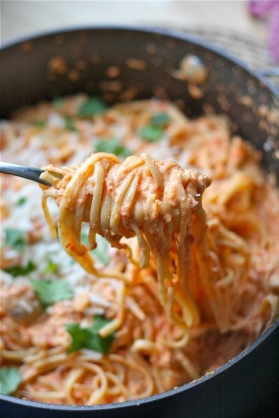 Roasted-Red-Pepper-and-Goat-Cheese-Alfredo_17.jpg