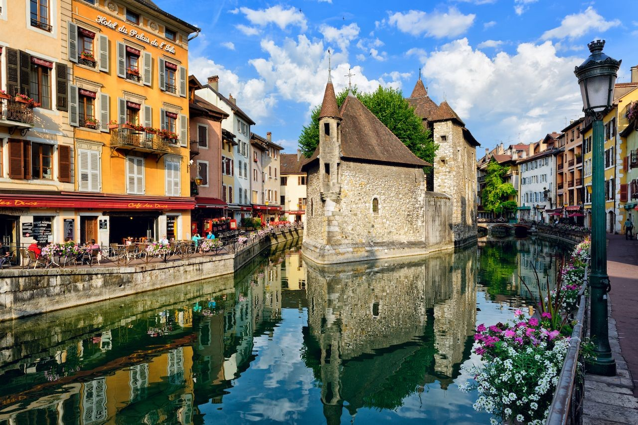 Annecy-France-canal.jpg