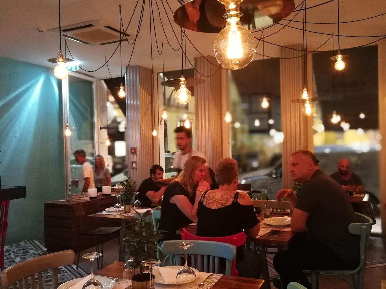 restaurante Muito Bey Like a Man.jpg