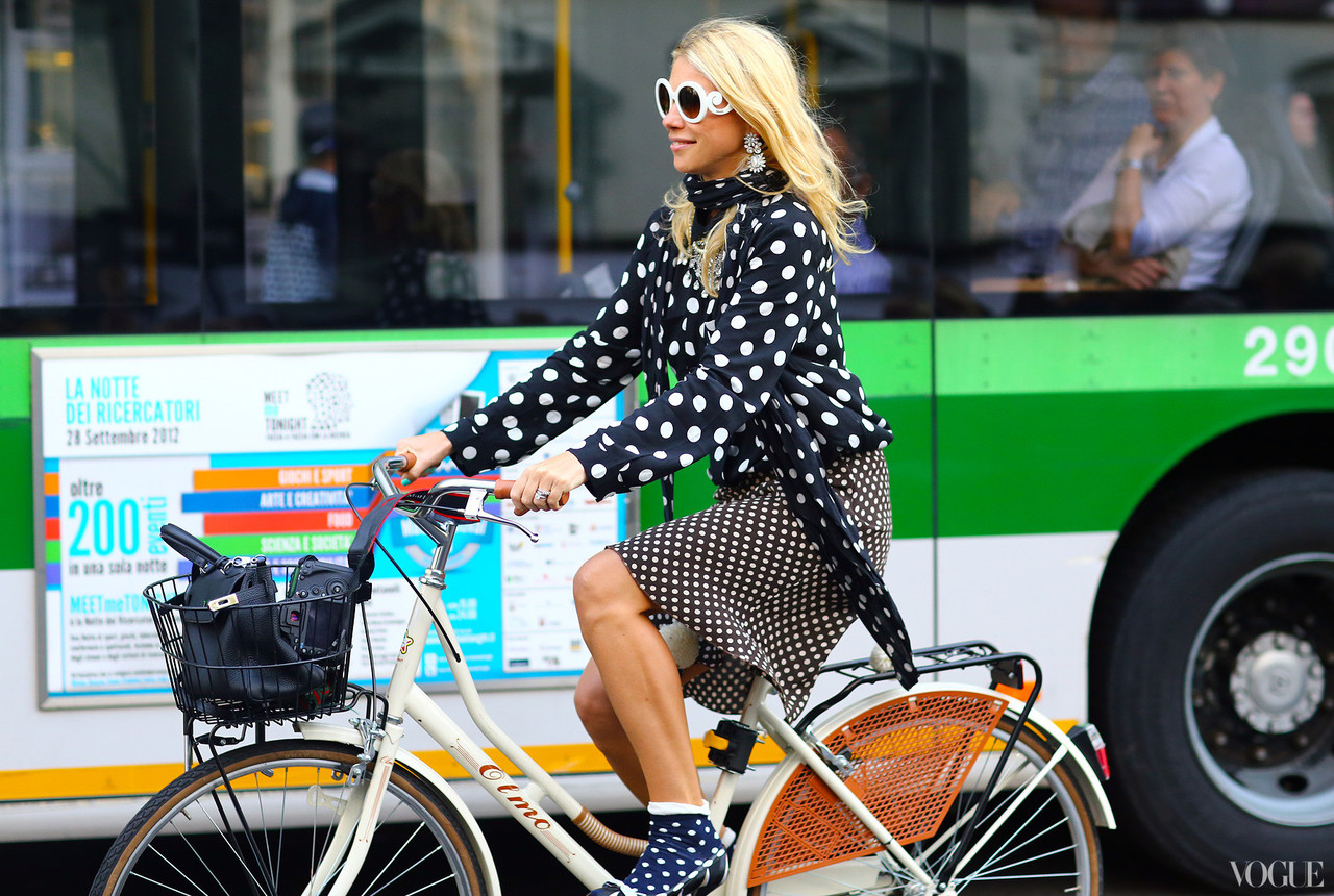 milan-fashion-week-streetstyle-polka-dots.jpg
