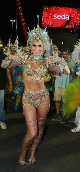 Lívia Andrade (Carnaval Rio 2020).jpg