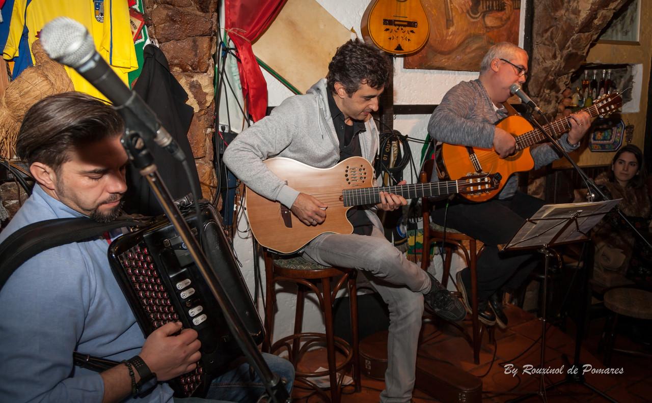Silvana Peres na Taverna dos Trovadores (006).JPG